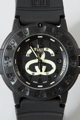 stussy-luminox-navy-seal-3000-02-320x480
