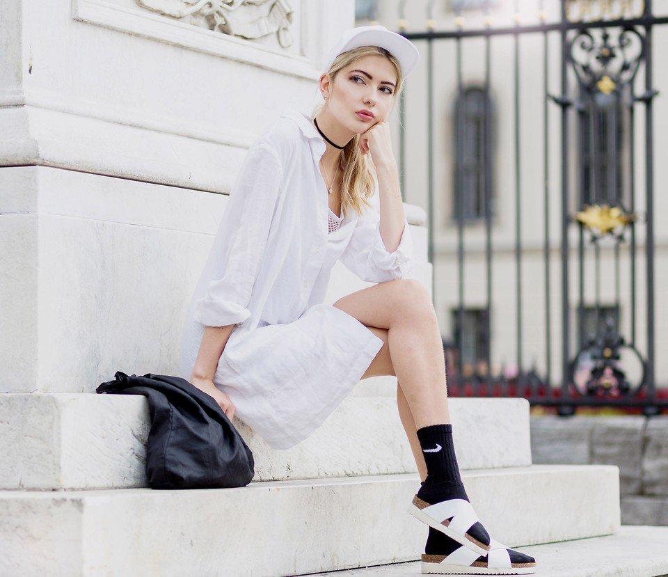 Aeryn Paris Linnen Skirtdress, Sandals, Junkyard Cap, Jane Koenig Necklace, Read My Article At Two For Fashion