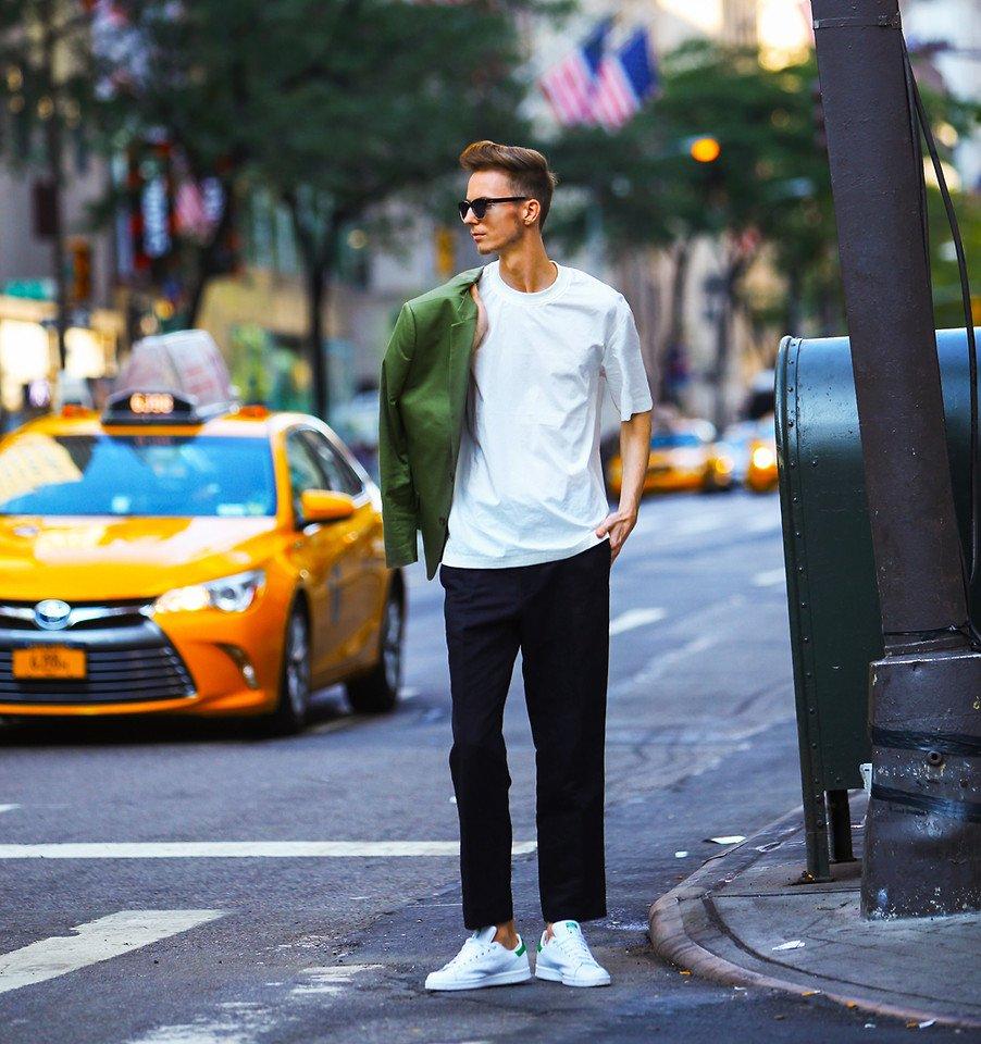 4676651_02a_kocka_telefonnal_alakit_new_york