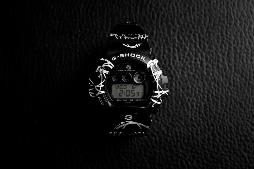 casio-g-shock-futura-gd-x6900ftr-black-white